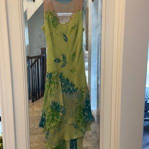 GORGEOUS BCBGMAXAZRIA SILK DRESS. Size 6